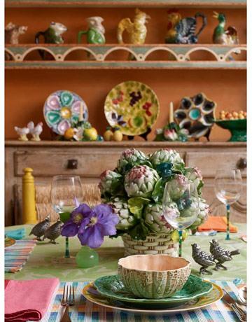 Наличие декора при оформлении дизайна кухни поощряется