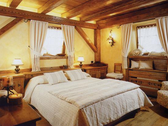 Вариант дизайна спальни в стиле кантри