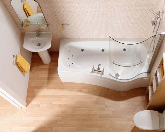 Желтое полотенце — пример яркого акцента в ванной