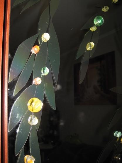 Декор на дзеркалі з каменів