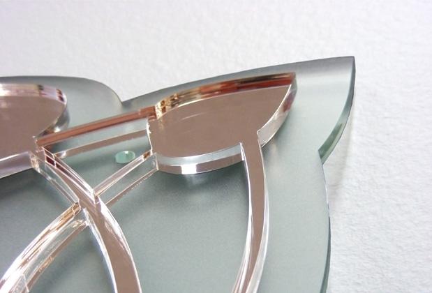 Скло і дзеркало прекрасно поєднуються один із одним