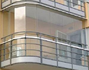 Засклений балкон