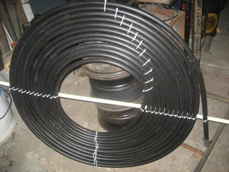 Закріплення гумового шланга у вигляді спіралі для сонячного колектора