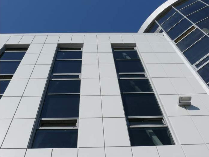 Вентилируемые фасад здания