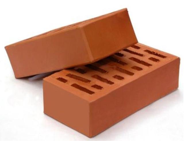 Облицовочный керамический кирпич имеет гладкую поверхность