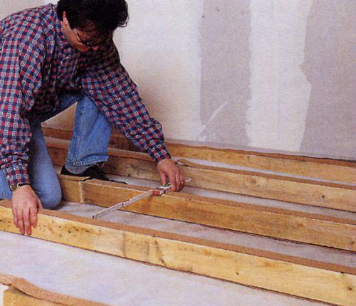 Монтаж деревянных лаг под паркетный пол